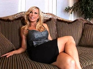 Hey ladies and gents, I'm here bringing u this weeks Mother I'd Correspondent to To Fuck lessons update and we have the 'Legendary' Amber lynn and guy are we glad to have her with us this day, That Babe Mother of Parliaments to us about her glory days and that babe fantasizes on her everyday life outside of work and its quite interesting to hear what that babe has in her mind, Any who in comes our juvenile stud which this babe appears to be so fond off and goes to work on the youthful'n and it turns out to be a very good update, Guys don't miss this one, it's...LEGENDARY...STAY TUNED!