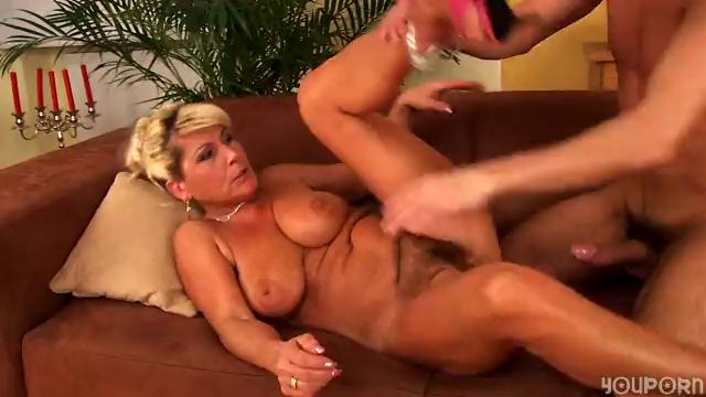 Horny mature Berna loves to fuck