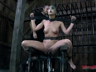 Blindfolded and gagged knockout gets her cunt shovelled with toy