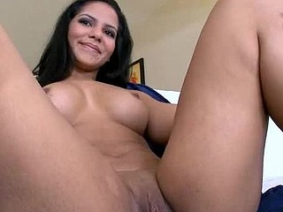 Cutie is giving deep throat at the maximum before great rodeo on penis