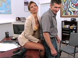 A outstanding example MilfLessons update from 2004. Monique is our most excellent Mother I'd In the manner of To Fuck we've ever had the chance working with and watching her fuck youthful studs. Tall, sexy Latin Babe with a body of a goddess. Each youthful studs wet-dream. Acquiesce in and watch this Latin Mother I'd In the manner of To Fuck work that butt. We love u Monique!