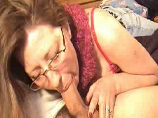 Mom sucking cock for a bit of money